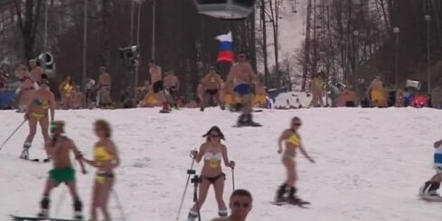 Krievijā puskaili slēpotāji sasniedz Ginesa rekordu