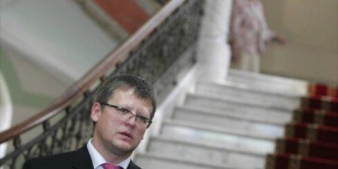 Saeima piekrīt Belēviča administratīvai sodīšanai par diviem pārkāpumiem