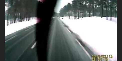 Avārija, Tallinas šoseja, Lexus grāvī
