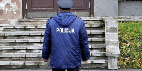 Vēlēšanu iecirknī Rīgas Kristīgajā vidusskolā nekārtības rīkojuši agresīvi krievvalodīgi jaunieši