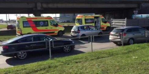 Mūkusalas aplī avarē vairākas automašīnas