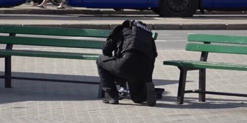 Rīgā policisti neitralizē iepirkumu maisiņu