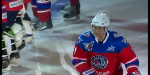Putins hokeja spēlē gūst septiņus vārtus