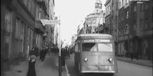 Arhīva video: Rīgā sāk kursēt pirmais trolejbuss, 1947. gads