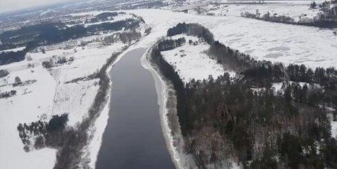 Lidojums virs Daugavas