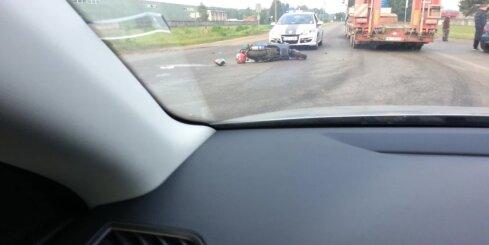 Granīta ielā avārijā cieš motociklists