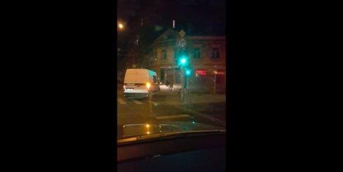 Valsts policija pārkāpj satiksmes noteikumus