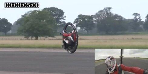 Brits ar monociklu uzstāda ātruma rekordu