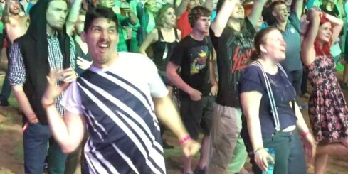 Pašmāju interneta hits: Sliktākais veids, kā dejot festivālā