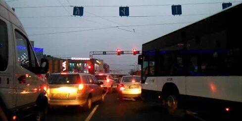 Remontdarbi pie Rīgas stacijas izraisa satiksmes haosu