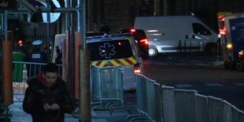 Parīzē auto ar četriem cilvēkiem apzināti centies nobraukt policisti
