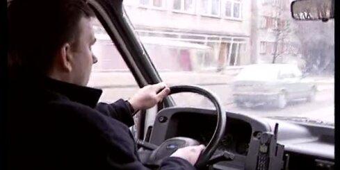 'Zebra': Kā 1995. gadā pie auto stūres runāja pa mobilo tālruni