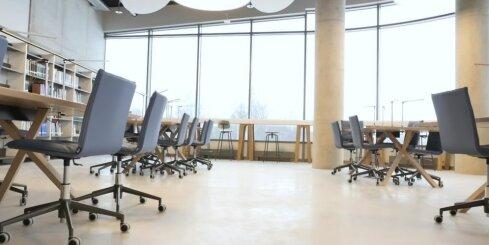 Durvis ver jaunā LU Akadēmiskā centra Zinātņu māja