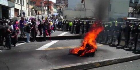 Ekvadorā veidojas jauna diktatūra, pūļi iziet vardarbīgās demonstrācijās