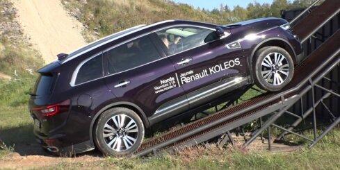 Haralds Šlēgelmilhs trasē '333' izmēģina dažādus 'Renault' modeļus