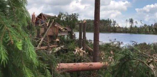 Video: Virpuļviesulis Siguldas novadā gāž kokus un posta jumtus