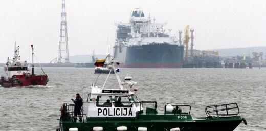 Klaipēdas ostā pirmo reizi pārkrauj kuģī sašķidrināto dabasgāzi
