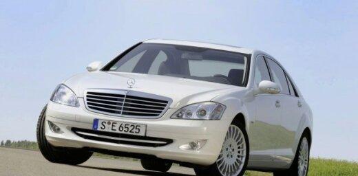 'Mercedes' S-klases limuzīns ar četrcilindru dīzeļdzinēju