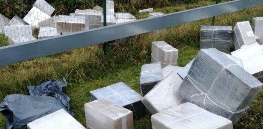 Muitnieki kravas vilcienos atrod 866 000 kontrabandas cigarešu