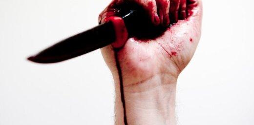 Даугавпилс: Мужчина повздорил с подругой и зарезал ее