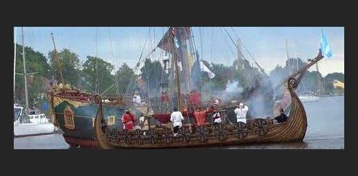 ФОТО, ВИДЕО: Пираты Балтийского моря обосновались в акватории городского яхт-клуба