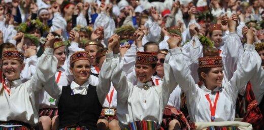 'Dziesmu karos' piedalīsies 57 kori; deju koncertā 'Vēl simts gadu dejai' – 140 kolektīvi