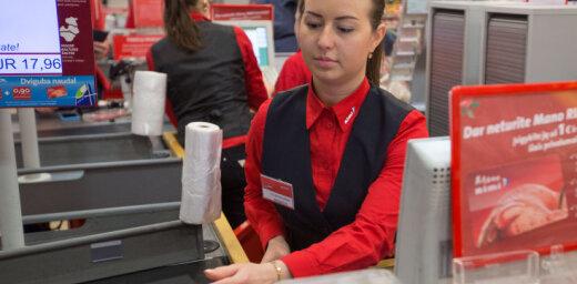€55 млн. владельцам, €340 кассиру. Почему латвийские супермаркеты такие жадные?