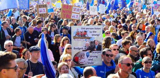 В Лондоне марш за новый референдум по Brexit собрал сотни тысяч человек