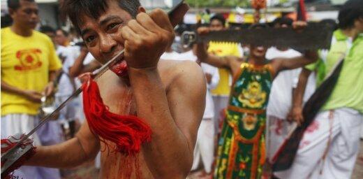 Тайский ясновидящий случайно смертельно пронзил себя мечом