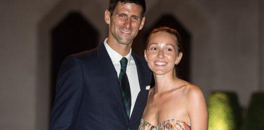 Neveiksmes tenisa kortā un privātajā dzīvē: vēta Džokoviča laulību