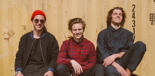 'Red Hot Chili Peppers' skatuves dēļus iesildīs arī 'Carnival Youth'