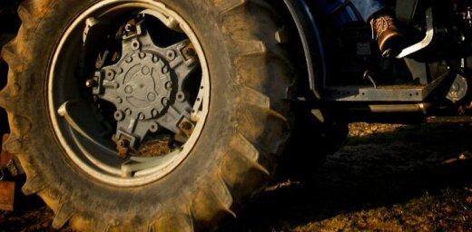 Полиция просит отозваться свидетелей аварии на Видземском шоссе