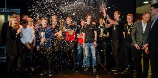 Foto: Ar jestru apbalvošanas ballīti noslēdzas 16. SEB MTB maratona sezona