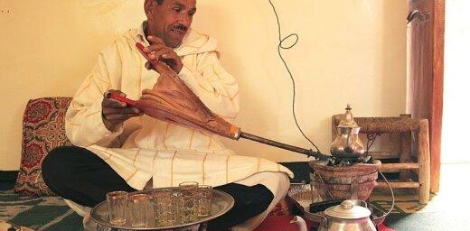 Krāšņās Marokas krāšņās tējas ceremonijas