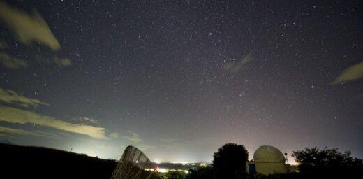 Foto: Cik daiļi pār Zemi 'nolija' Geminīdu meteori