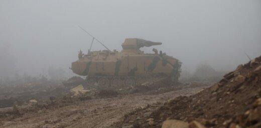 Kaujās Afrīnā nogalināti divi Turcijas armijas karavīri