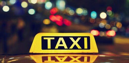 Профсоюз таксистов: поездка из аэропорта до центра Риги не должна превышать 25 евро