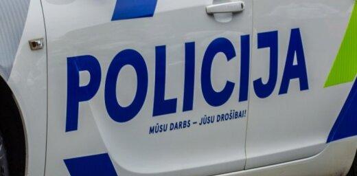 Полиция просит отозваться свидетелей аварии в Риге