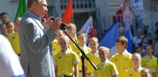 Ukraina protestē pret Putina vizīti Krimā