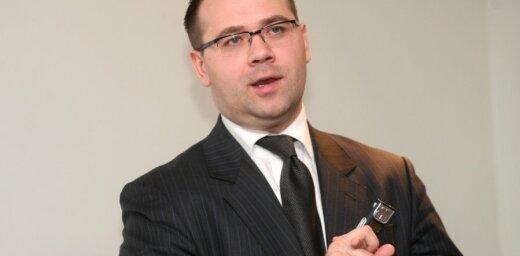 Pirms Jurjeva atlūguma lidostā 'Rīga' viesojies Auguļa padomnieks Stucka