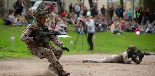Nacionālo aizsardzības akadēmiju absolvēs 56 kadeti; kandidātus aicina pieteikties nākamajam studiju gadam