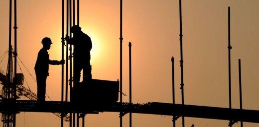 """В 2017 году в Латвии выявили почти 1350 работников-""""нелегалов""""; лидер — строительство"""