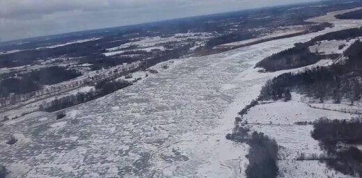 Video: Pļaviņu ledus sastrēgums no putna lidojuma