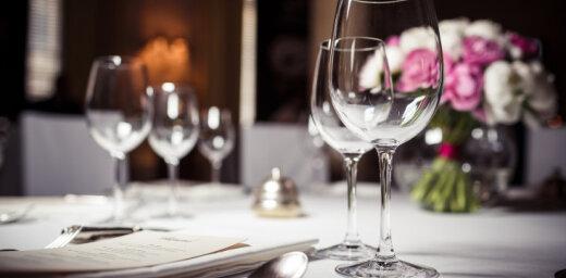 DP izvērtē gadījumu par Latvijas pāra atvērtu restorānu Krievijas okupētajā Krimā