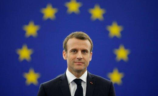 СМИ: Макрон планирует сделать французский главным языком Евросоюза