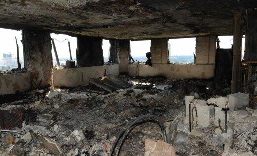 Londonas 'Grenfell Tower' ugunsgrēka upuru skaits sasniedzis jau 79