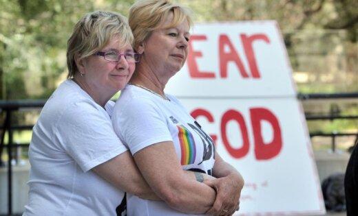 В Австралии легализовали однополые браки. Первые свадьбы начнутся в 2018-м