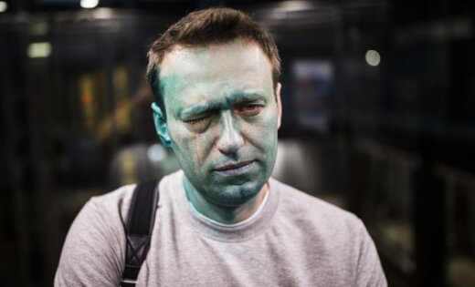 Навальный впервый раз за 5 лет получил загранпаспорт