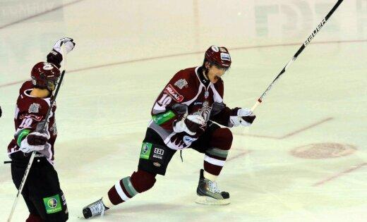 Dārziņa 'hat trick' neglābj 'Dinamo' no zaudējuma