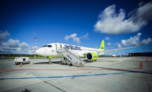 airBaltic получила новый самолет Bombardier CS300